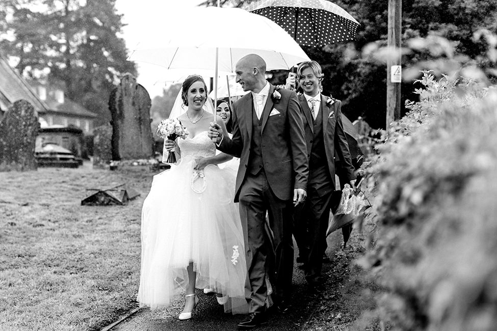 wedding photography in the rain