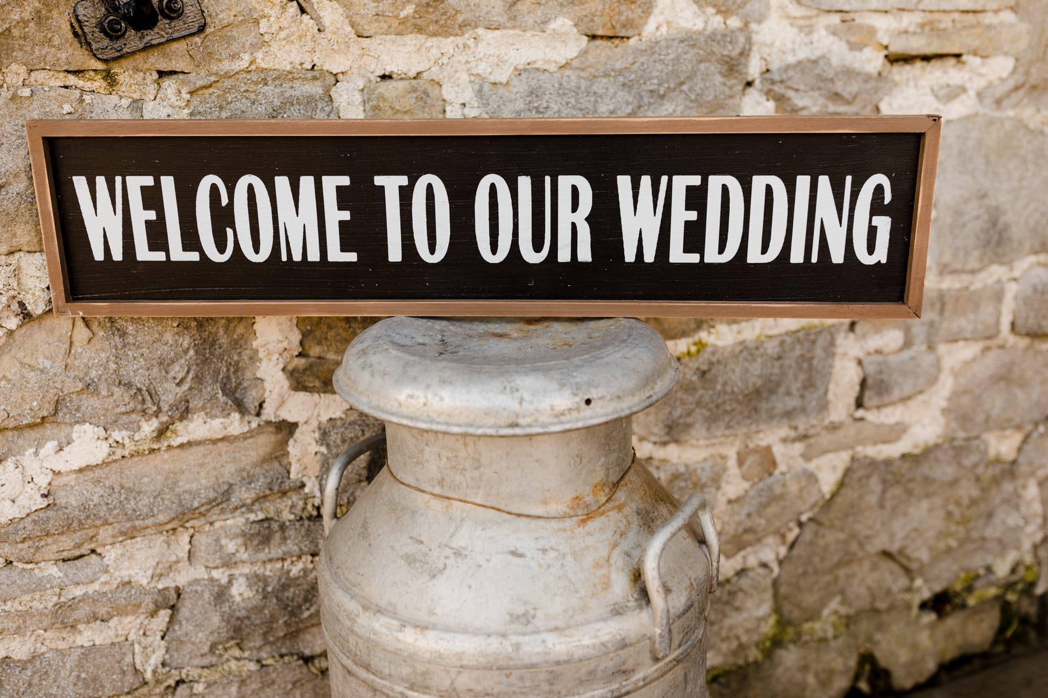 Rosedew Farm wedding Photography-26- Art by Design