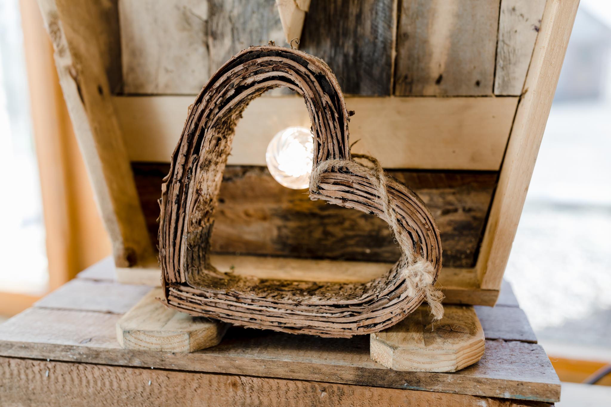 Rosedew Farm wedding Photography-29- Art by Design