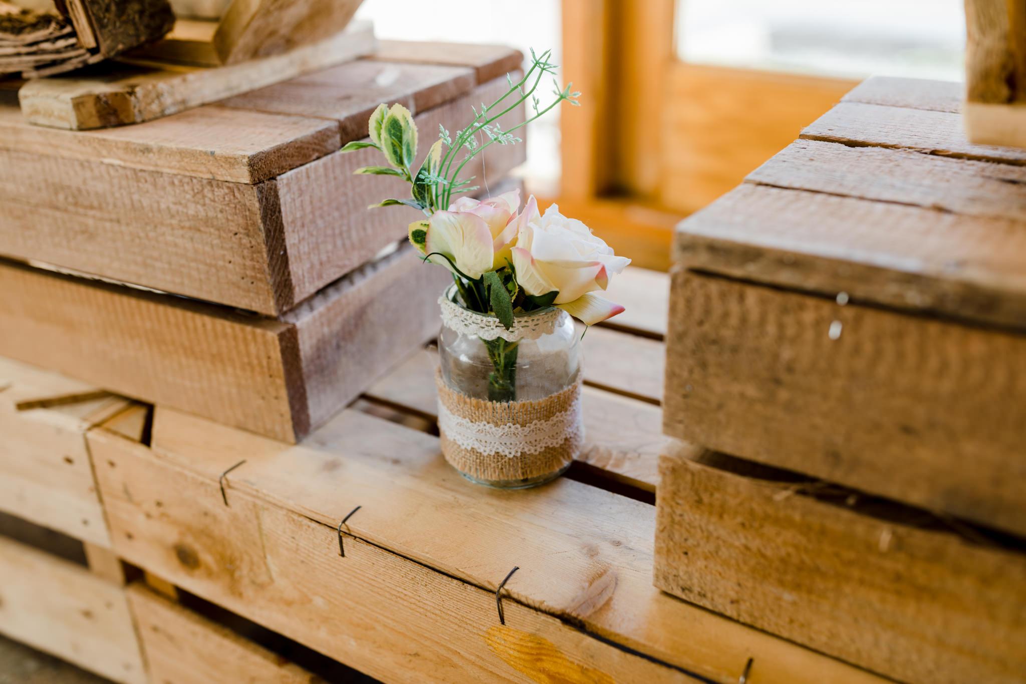 Rosedew Farm wedding Photography-30- Art by Design