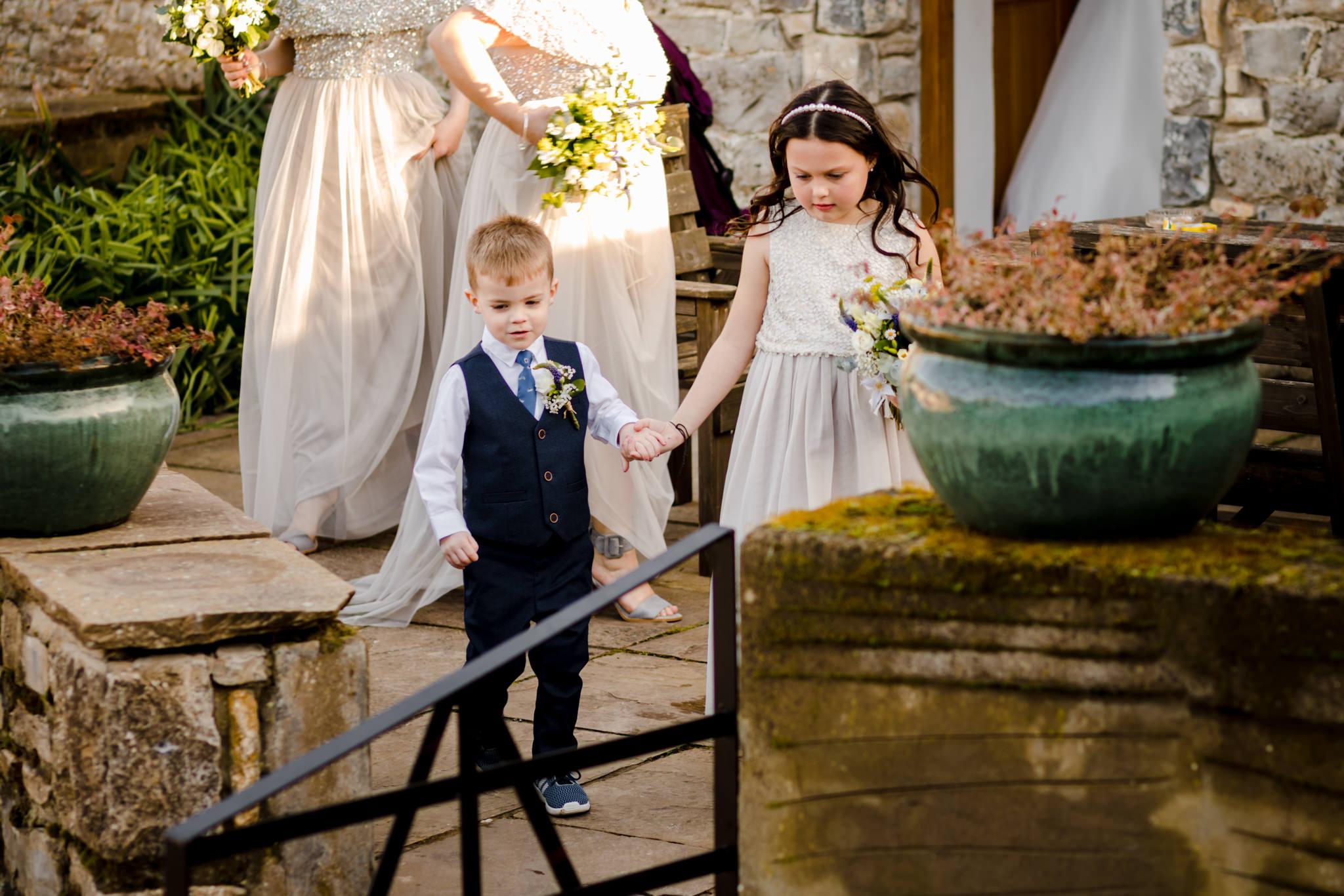 Rosedew Farm wedding Photography-40-Art by Design