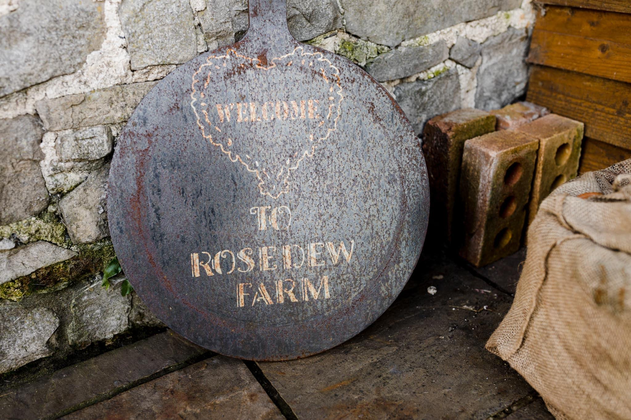 Rosedew Farm wedding Photography-9- Art by Design