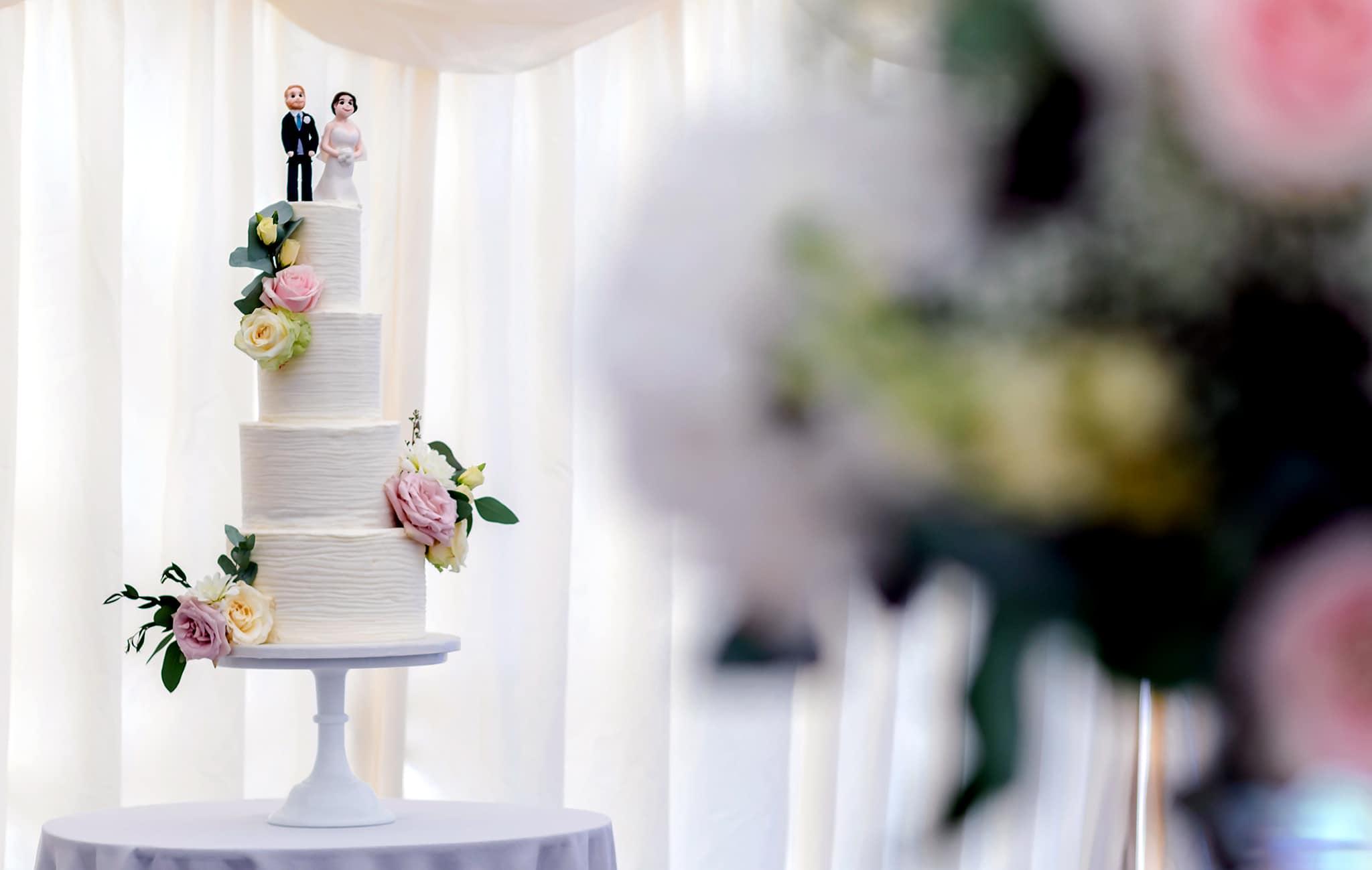 Fonmon castle wedding cake